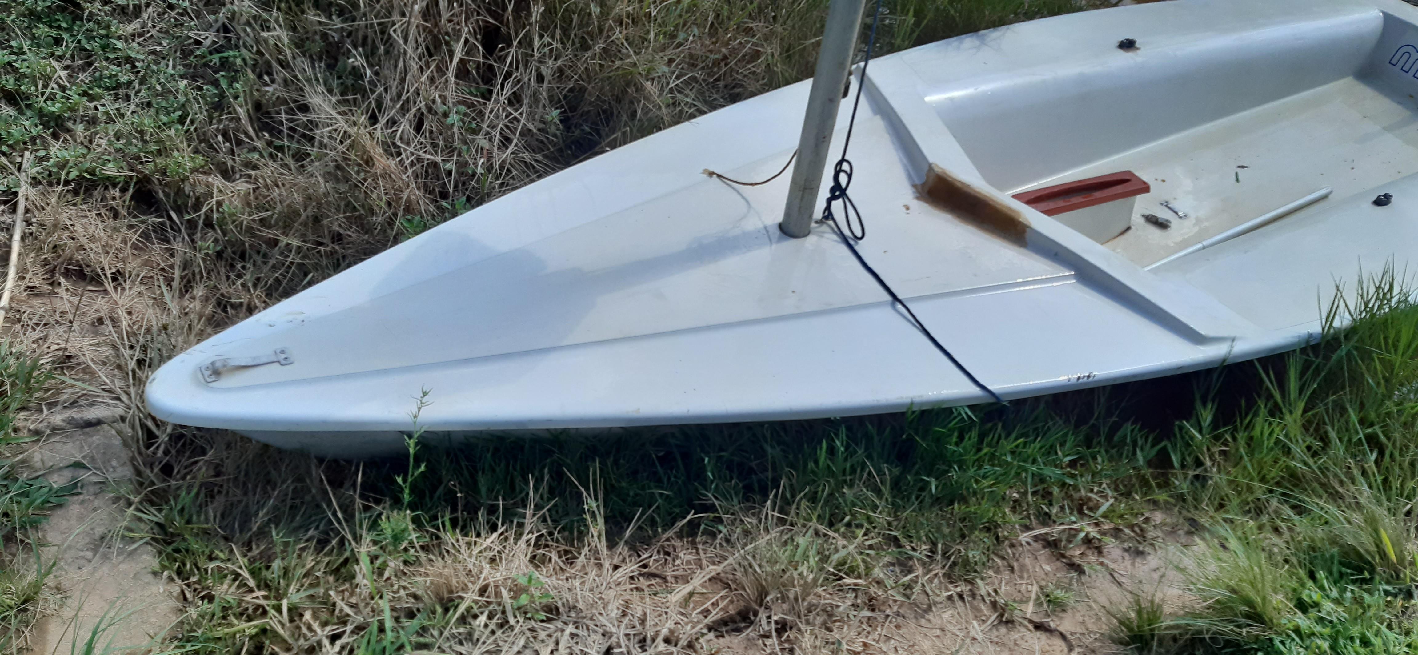 Vendo ou troco por barco de alumínio veleiro mistral 4 metros