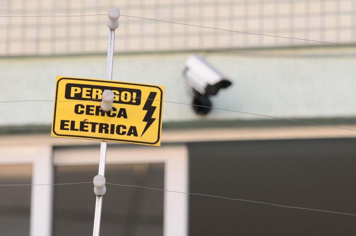 Manutenção De Cerca Elétrica Artur Alvim (11) 98475-2594