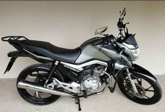 Honda 2019 CG 160 Titan 5.701km R$11.900 com promissória