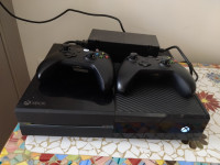 Xbox one 500gb + 2 controles +3 jogos