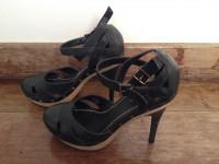 Sandalia / Sapato salto Preta tamanho 37