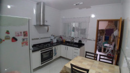 TF1071 - Uma linda casa com 3 dormitórios na V. Curuçá. 1 vaga!