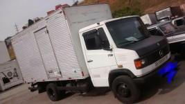 Caminhão MB 710 ano 2000