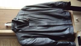 Jaqueta de couro, semi nova