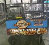 carrinho de croissant assados na hora empada