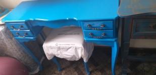 Penteadeira azul turquesa