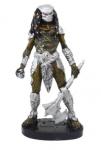 Estatua Predador Com Machado Colecionador