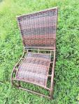Cadeira descanso feita em fibra sintetica